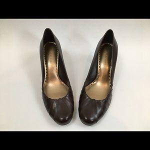 Brown Leather Gianni Bini Round Toe Heels